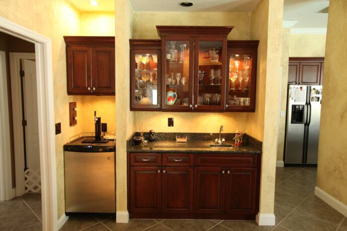 Top shelf custom cabinetry inc photo gallery for Office wet bar